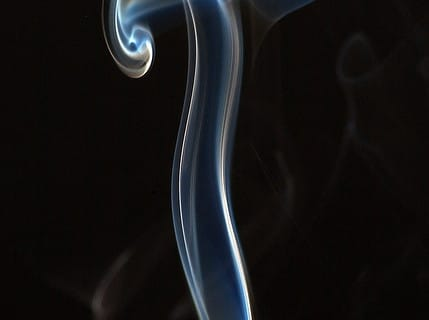 vapour-or-smoke MICROFLUIDIC AND ELECRONIC CIGARETTE