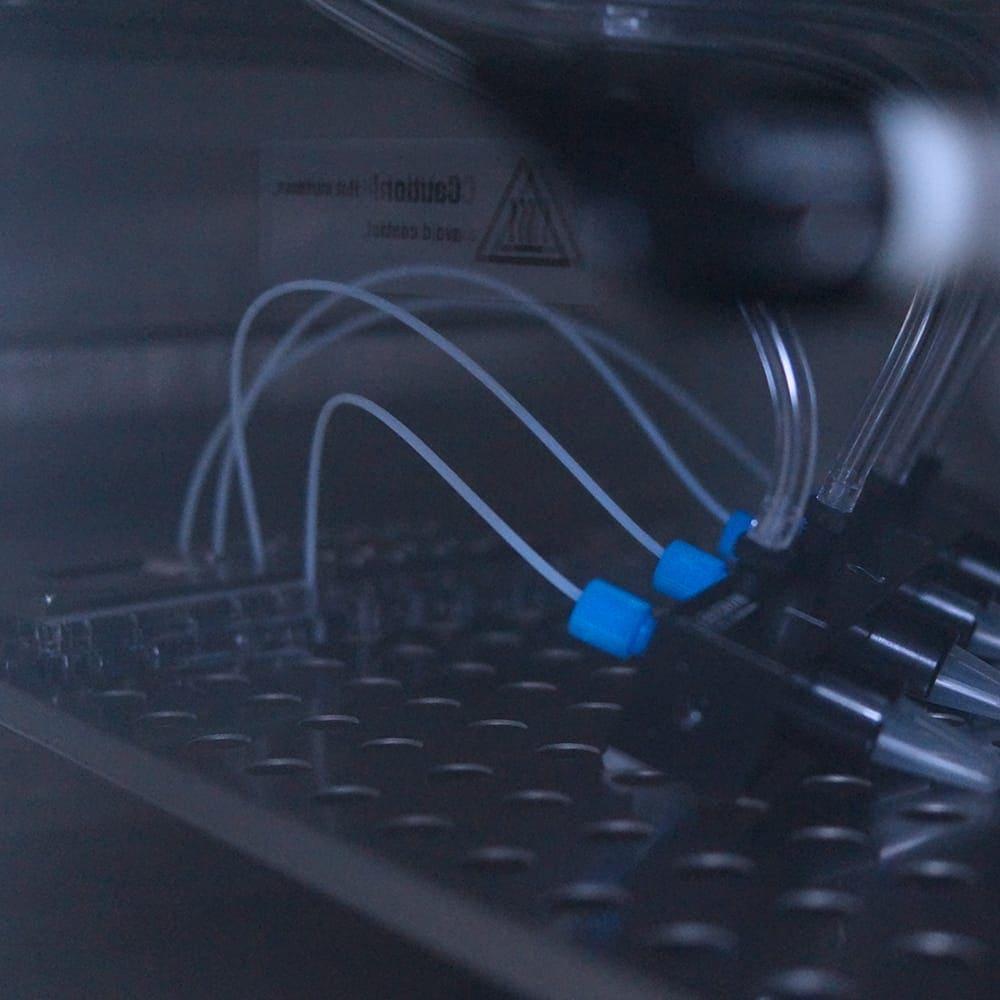 Pack--systeme-incubateur-chip-zoom-Elveflow-Darwin-microfluidicsorganic incubator
